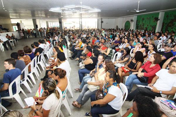 A paralisação das aulas em 141 escolas municipais, a partir desta quarta-feira (22), foi aprovada por 90% dos professores da rede