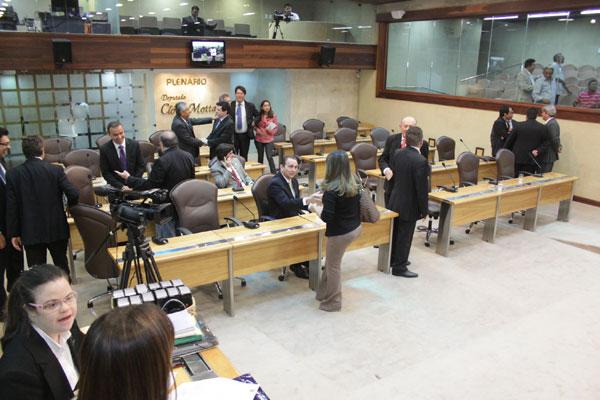 Na Assembleia Legislativa do RN, os dois novos partidos começaram com a filiação de seis deputados estaduais