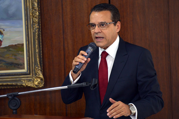 Henrique Eduardo Alves fica no exercício da Presidência da República, neste domingo e na segunda