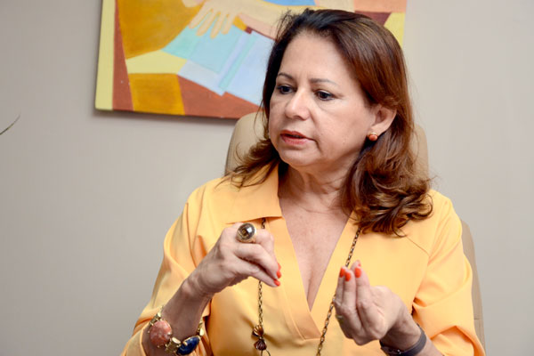Betânia Ramalho afirma que a atual greve é política e ressalta que salários de professores tiveram reajustes de 91,5%