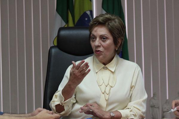 Rosalba enfrenta dificuldades para pagar salários em dia