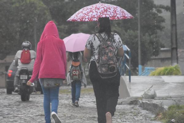 Chuvas intensas em Natal nesta sexta-feira (27)