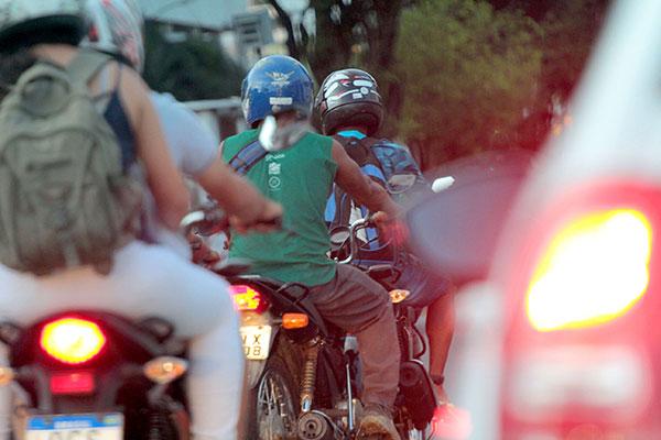Pelo projeto proposto pelo Governo do Estado proprietários de motos terão perdão de dívidas com IPVA até o ano passado, porém não foram apresentados cálculos