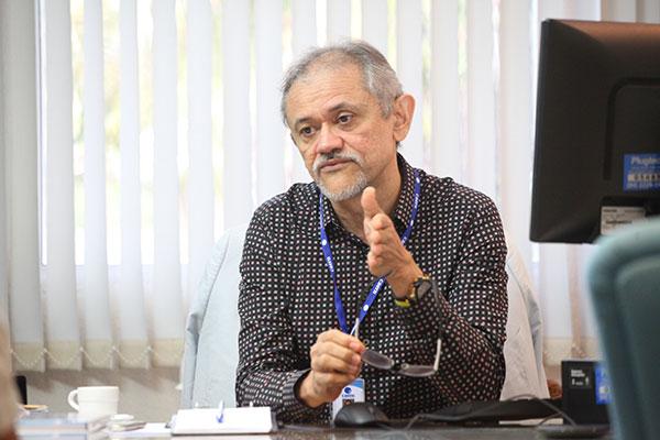 Sérgio Linhares, presidente da Caern, explica projeto