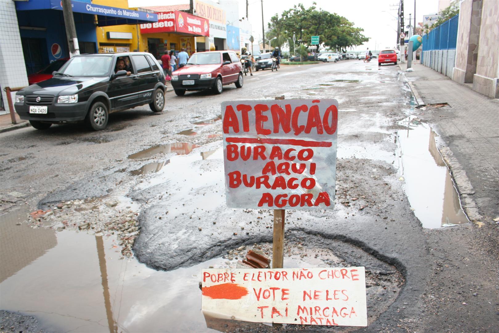 Parceria tem como objetivo sanar os problemas da rua São João de Deus, que sofre com transbordamento de esgotos e buracos