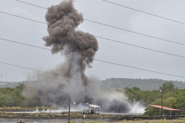 Ibama e Exército destruíram, ontem, pela primeira vez no RN, viveiro de camarão que funcionava há mais de uma década sem licença