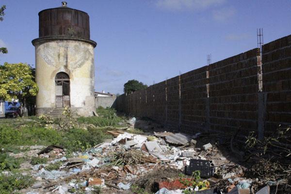 Área nunca recebeu projeto de preservação e está abandonada