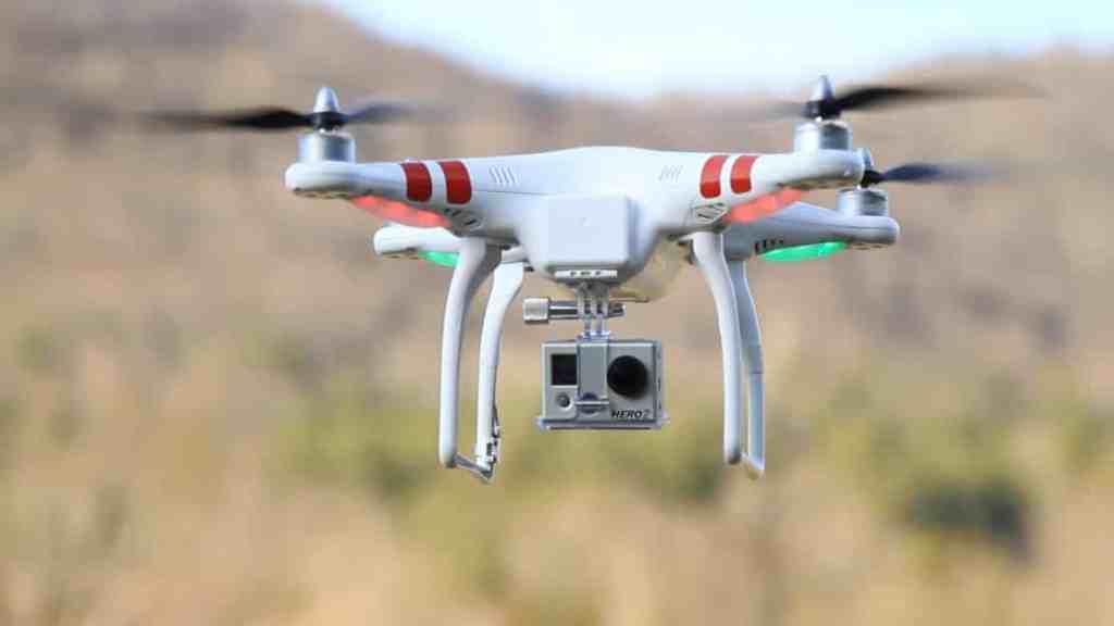 Veja o estrago que um Drone pode fazer com a asa de uma avião 1