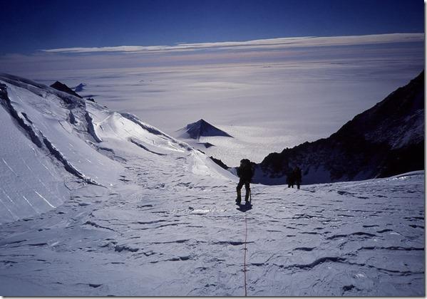 piramideantartida2 thumb Derretimento das geleiras na Antártida estão revelando pirâmides