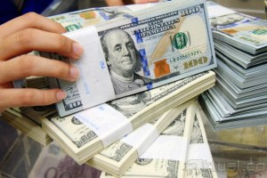 Dolar Menguat