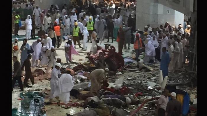 Crane_Jatuh_Di_Masjidil_Haram_001