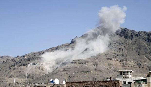 Rudal Zilzal Dua Yaman Hantam Kamp Saudi