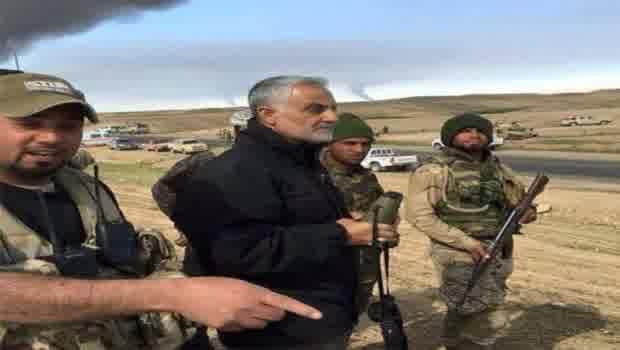 Jenderal Qassem Soleimani Bersama Pasukannya