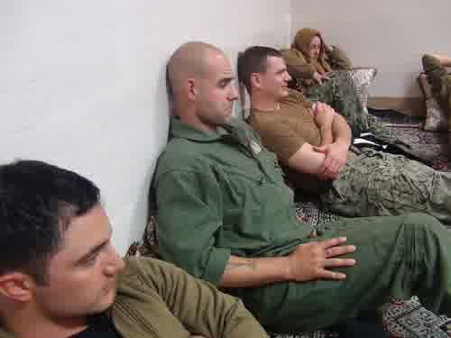 foto-2-angkatan-laut-as-ditangkap