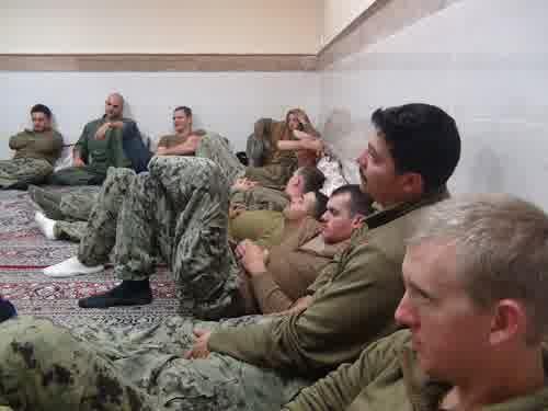foto-3-angkatan-laut-as-ditangkap