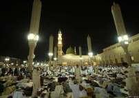 Salat_Idul_Fitri_di_Madinah_03