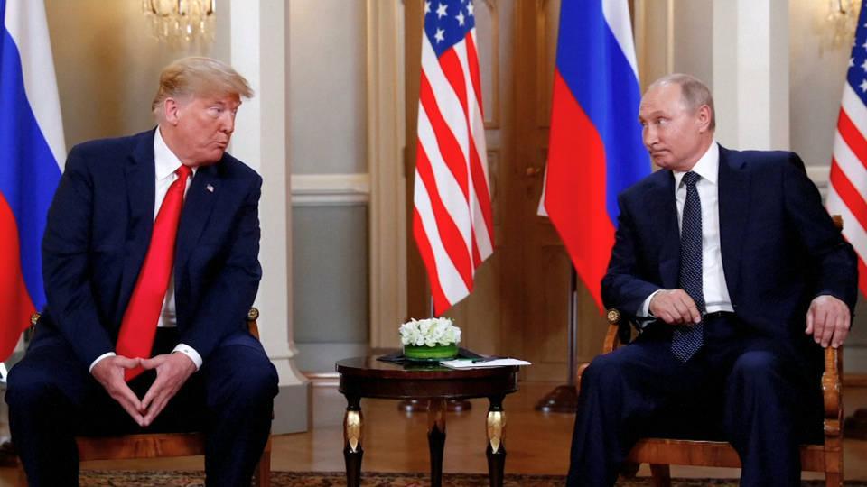 Utusan: Dihadapan Trump, Putin Kecam Sanksi AS atas Iran