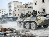 Militer Rusia Bersihkan Ranjau