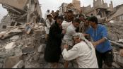 Warga Yaman di reruntuhan