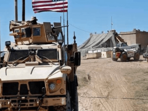 Konvoi Militer AS dari Kuwait ke Irak
