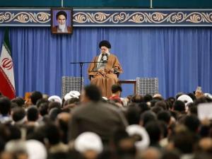 Khamenei: Musuh Tak Bisa Celakai Bangsa Iran
