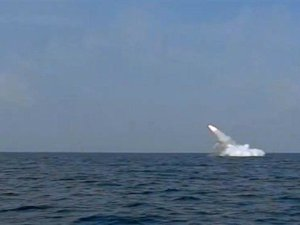 AL Iran Berhasil Tembakkan Rudal Jelajah dari Kapal Selam