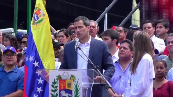 Guaido Beri Tentara Venezuela Waktu 2 Minggu untuk Bergabung Dengannya