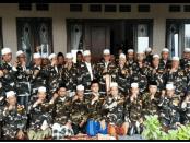 Pakai Baju Banser 45 Ulama Sepuh dan Pengasuh Ponpes Se-Pasuruan Dukung Jokowi-Ma'ruf