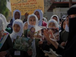 Anak-anak Yaman Gelar Aksi Unjuk Rasa pada Hari Anak Sedunia