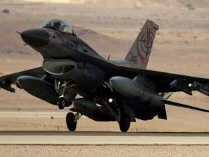 VIDEO: Pesawat-pesawat Tempur Israel Bombardir Jalur Gaza