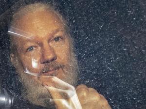 Ratusan Jurnalis dari Seluruh Dunia Tuntut Pembebasan Julian Assange