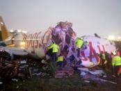 VIDEO: Tergelincir di Landasan Pacu, Pesawat Turki ini Terbelah Dua