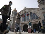 Video: Pertunjukan Cahaya Meriahkan Pembukaan Wuhan Pasca 11 Bulan Lockdown