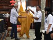 Surprise, Ganjar Terima Bantuan APD Karya Warga Binaan Lapas dan Rutan