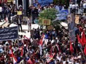 Warga Homs Gelar Demo Besar-besaran Kutuk Terorisme Ekonomi AS atas Suriah