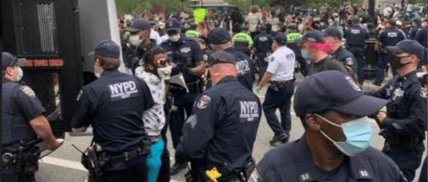 Studi: Polisi AS Tak Penuhi Standar HAM