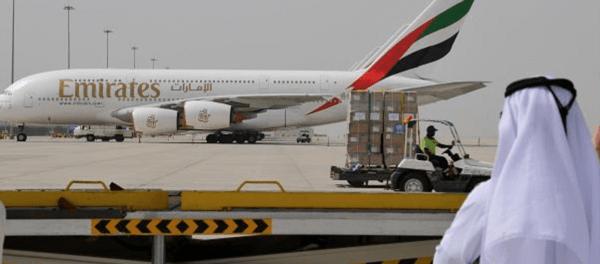 Maskapai Emirates Kibarkan Bendera Putih Alias Bangkrut