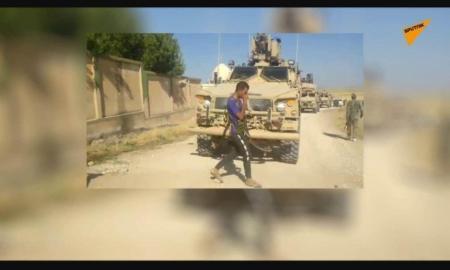 Saksikan: Tentara Suriah Hadapi Konvoi Lapis Baja AS