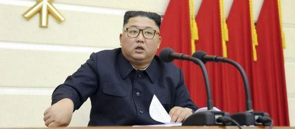 Diisukan Koma, Korut Rilis Foto Terbaru Kim Jong-Un