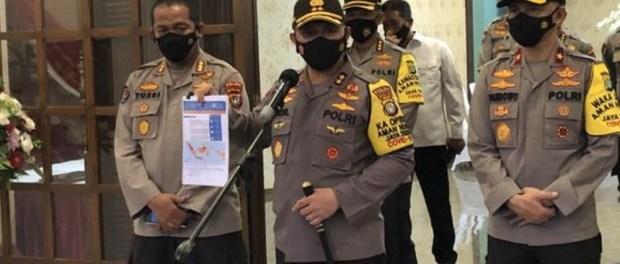 Kapolda Metro Baru Dukung Pangdam Jaya Copot Baliho Imam Besar FPI