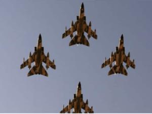 "Pesan ""Perang"" ke Iran, 2 Jet Tempur Saudi Kawal Pesawat Bomber AS"