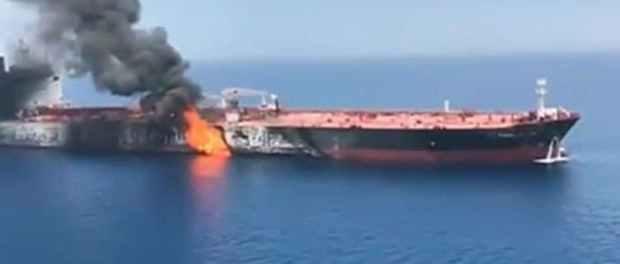 Ledakan Guncang Kapal Tanker di Lepas Pantai Arab Saudi