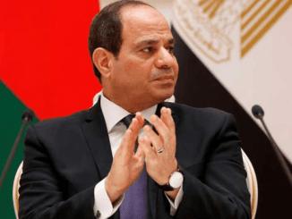 """El-Sisi Puji """"Kesuksesan"""" Operasi Penyelamatan di Terusan Suez"""