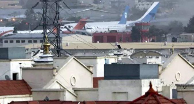 Baku Tembak di Gerbang Sebelah Timur Bandara Kabul