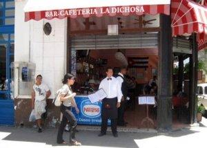 Serán las cafeterias y restaurantes la opción de los obreros cubanos a partir del primero de octubre.