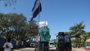 EMIGANTES CUBANOS BLOQUE CARRETERA CENTROAMERICANA