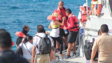 cubanos recatan en alta mar