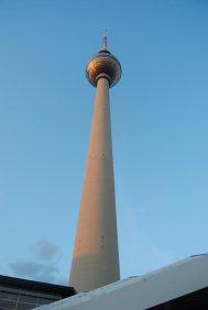 Vista desde la base de Fernsehturm