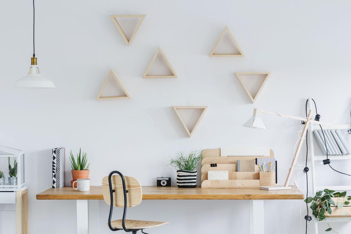per favorire la concentrazione posizionatela contro una parete. Arredamento Studio In Casa 5 Consigli Per Un Ufficio Pratico E Di Design