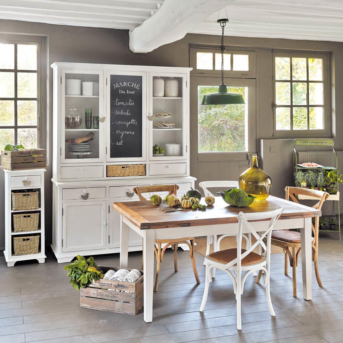 In metallo, o in legno. Le Cucine Country Chic Tra Stile Shabby E Rustico Foto